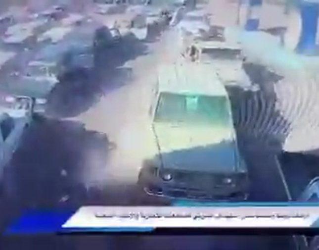 صاروخ حوثي يستهدف مجمع تجاري مكتظ بالمدنيين شرق مأرب ويخلف عشرات القتلى والجرحى – فيديو