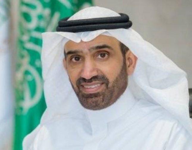 قصر العمل في المولات على السعوديين.. وزيادة نسب التوطين في منافذ بيع المطاعم والمقاهي