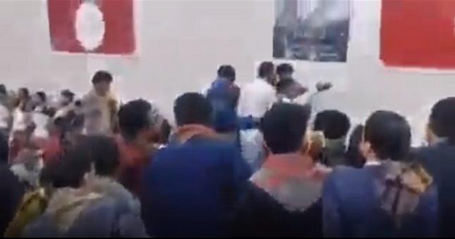 شاهد.. ميليشيا الحوثي تقتحم حفل زواج وتخطف العريس وتطلق النيران على المعازيم بسبب الغناء وعزف الموسيقى