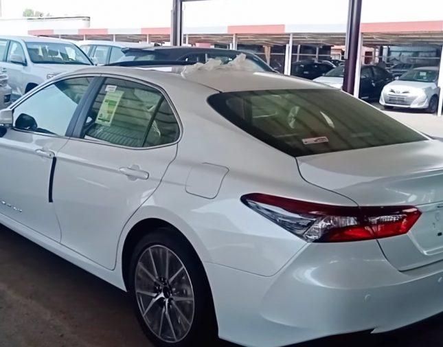 فيديو | تعرف على سعر و مواصفات السيارة الأكثر شعبية في المملكة بعد وصول أحدث موديل